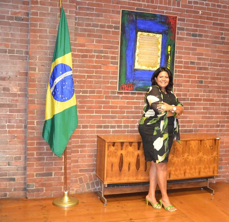 Artistas brasileiros lançam exposição fotográfica com participação pública em Boston
