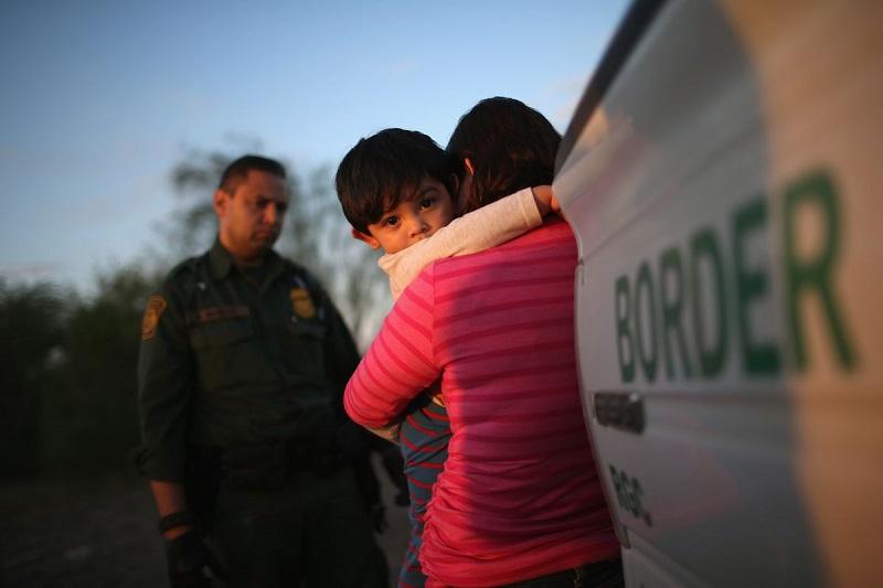 Governo brasileiro: separação de famílias na fronteira dos EUA é preocupante