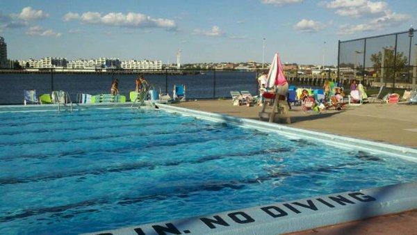 Prefeitura abre piscinas e emite alerta devido a temperaturas elevadas