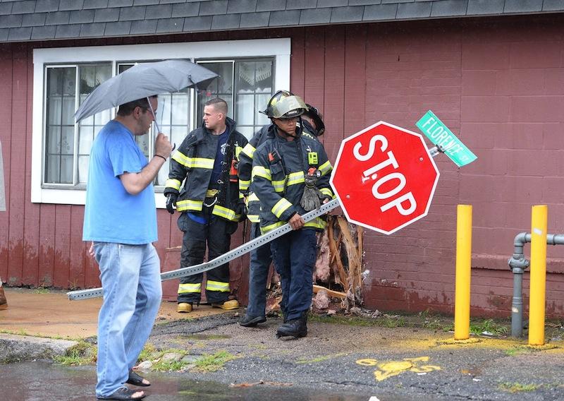Restaurante é atingido por carro, pela terceira vez, em Brockton