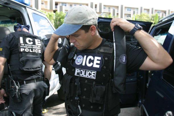 Casa Branca agenda premiação aos agentes de Imigração
