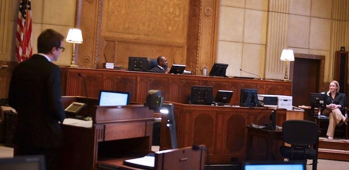 Juízes se manifestam contra prisões de Imigração nas Cortes