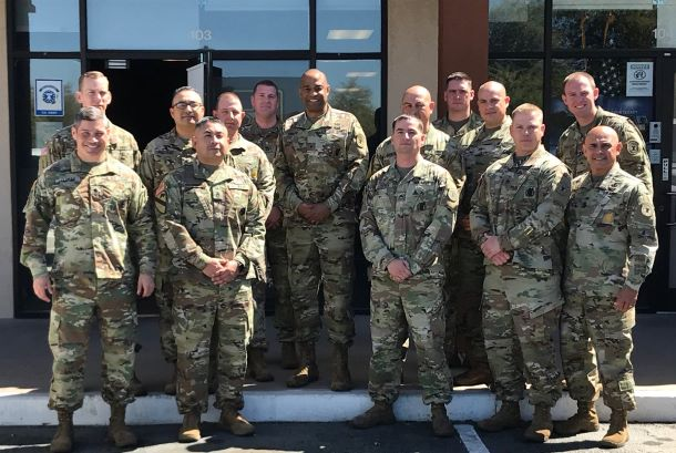 Forças armadas voltam a aceitar recrutas imigrantes, graças a ordem judicial