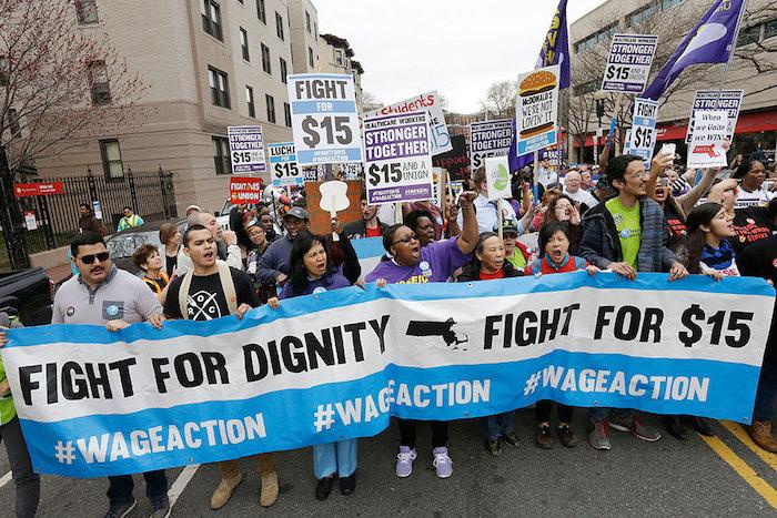 Salário mínimo aumenta para $12 por hora
