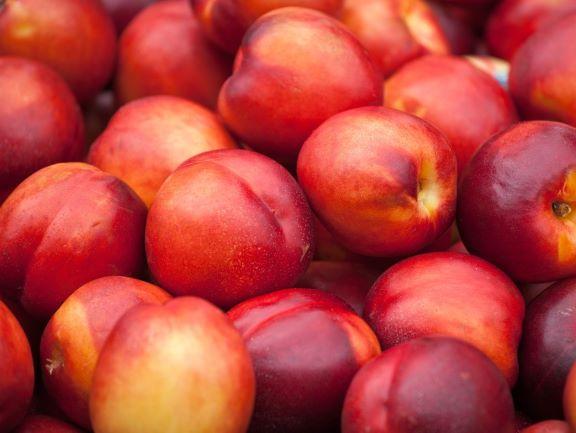 Frutas vendidas no Market Barket podem estar contaminadas