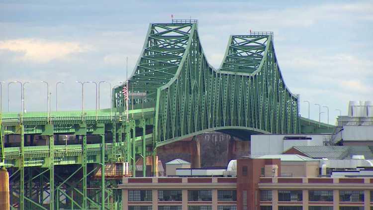 Tobin Bridge fechara parcialmente para reparos até 2020