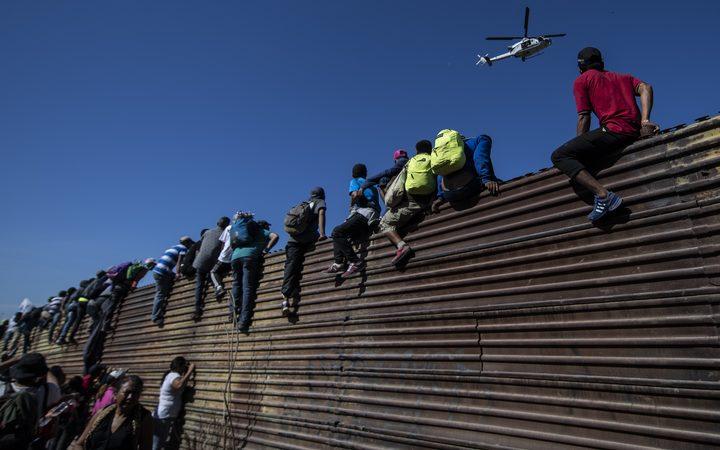 Juiz derruba decisão de Trump sobre asilo