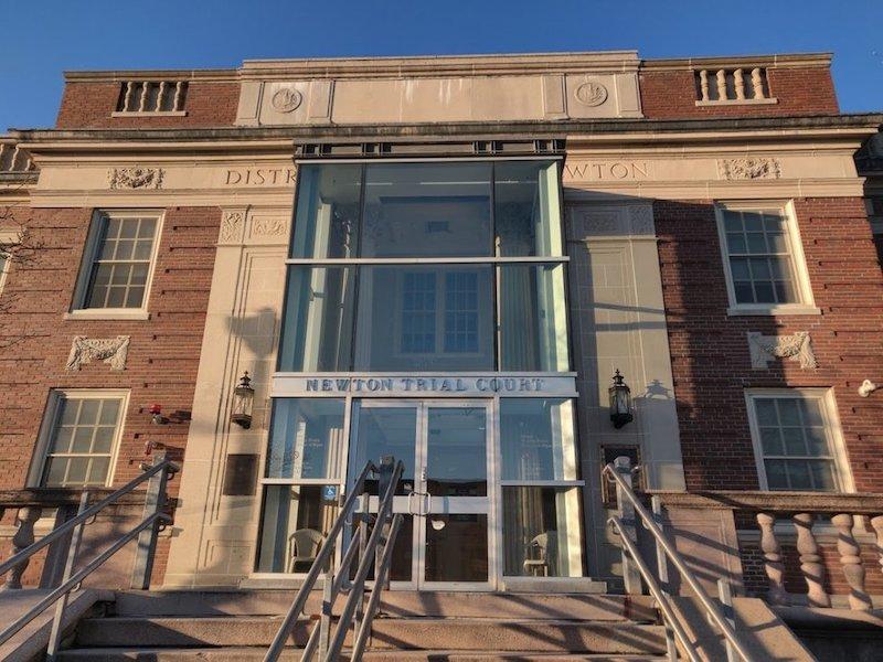 Governo federal processa juiza por ajudar indocumentado na corte