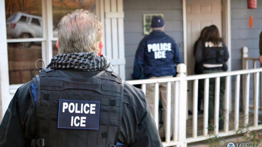 Trump anuncia pelo Twitter prisão em massa de imigrantes