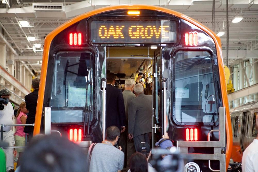Linha laranja ganha novos trens