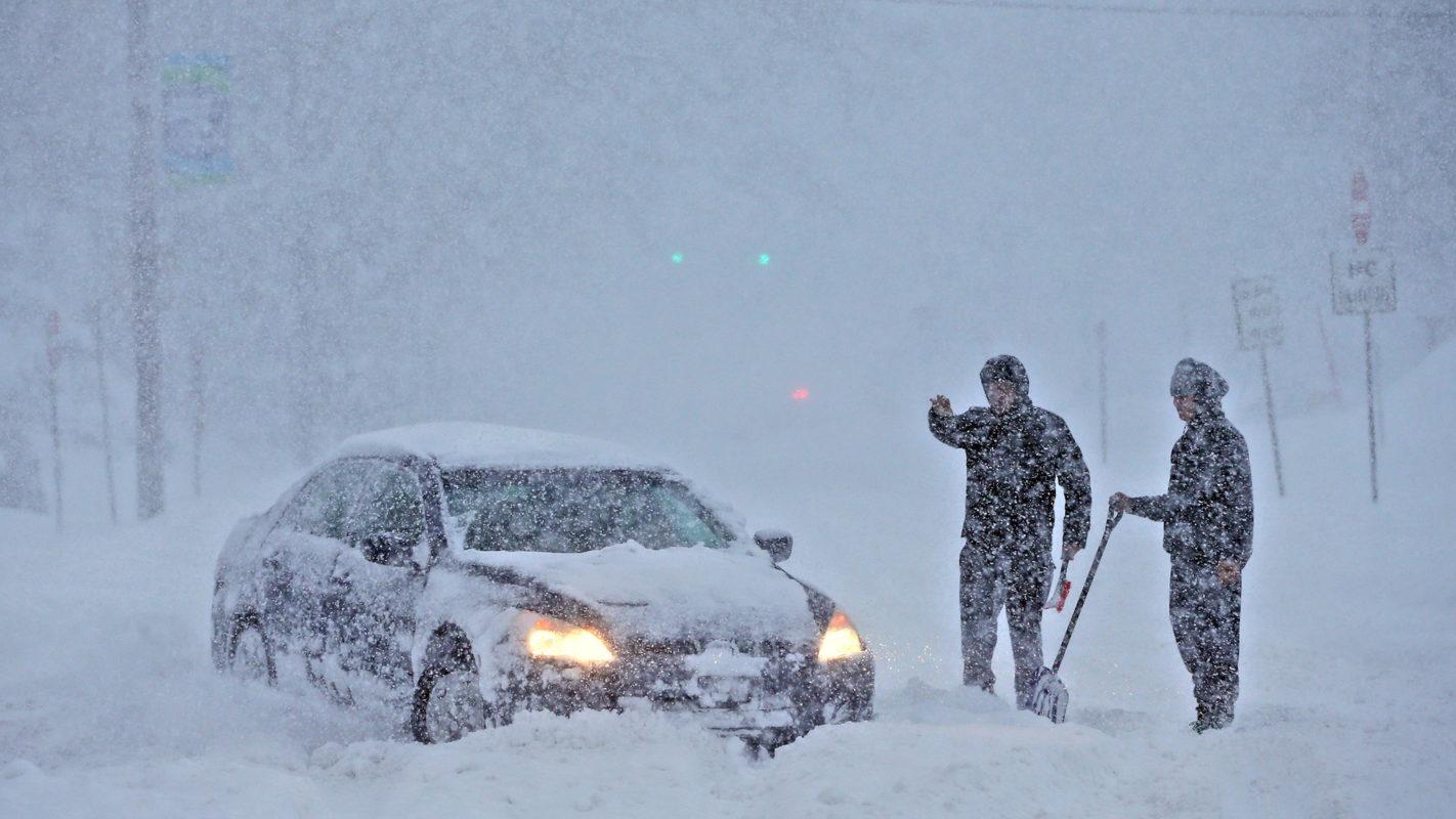 "Tempestade ""gigantesca"" de neve deve atingir Massachusetts"