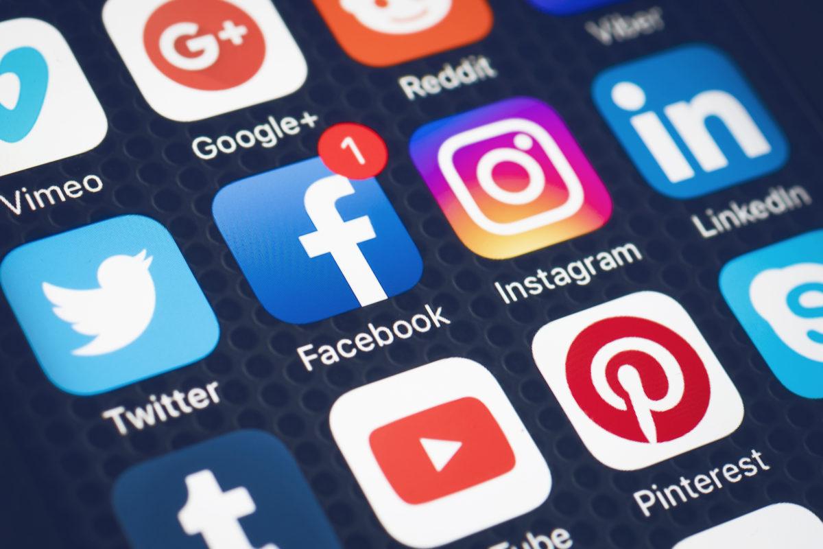 Governo Trump exigirá históricos de mídias sociais, antes de aprovar vistos