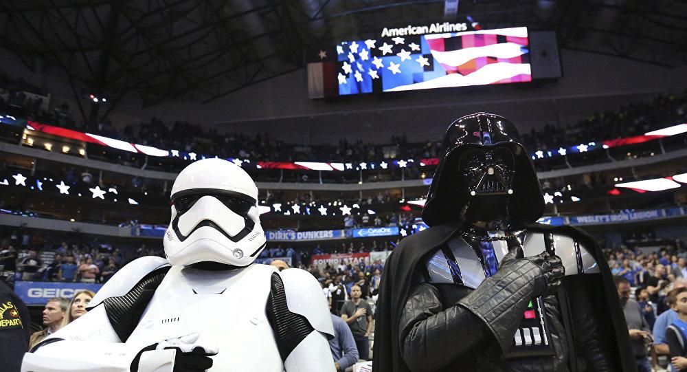 Donald Trump é zoado na Internet por querer dominar espaço com 'Força Espacial'
