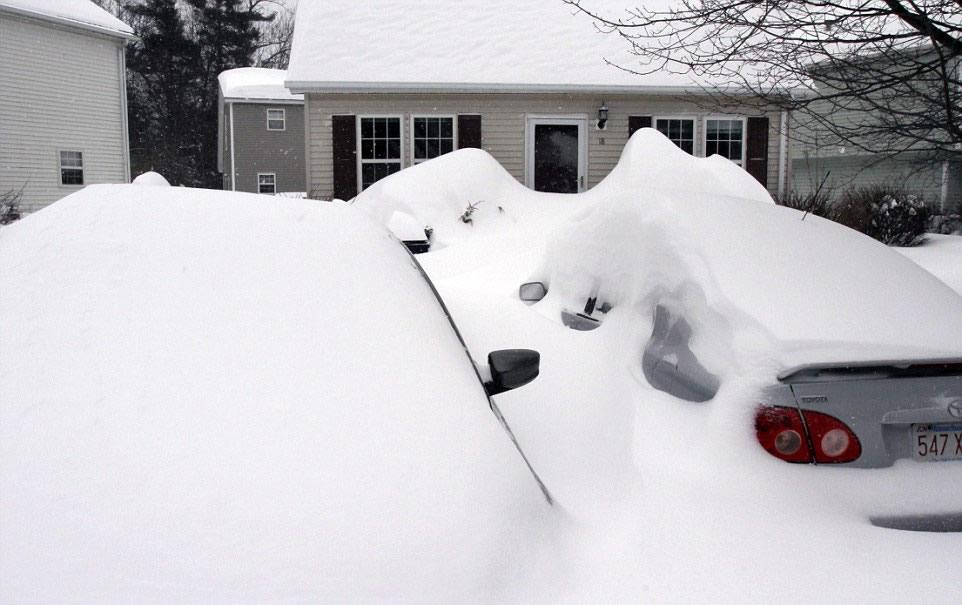 Previsão atualizada prevê até 45 centímetros de neve para Massachusetts