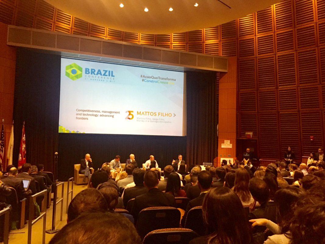 Luciano Huck e Anitta participam do Brazil Conference, em Boston