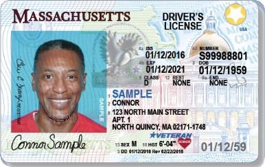 Motoristas ainda preferem carteira de motorista padrão em Massachusetts