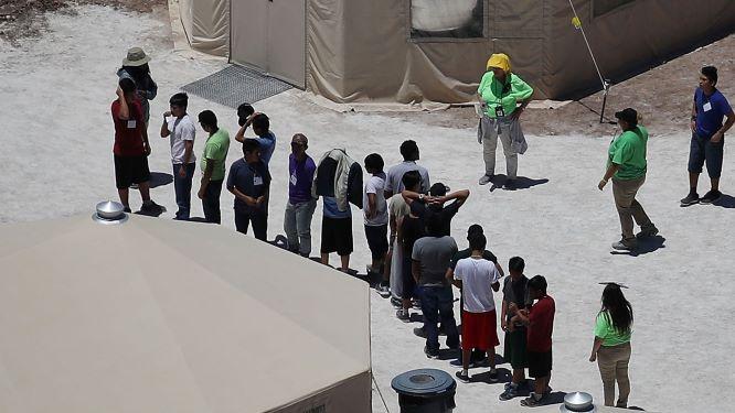 Imigrantes poderão ser mantidos presos indefinidamente