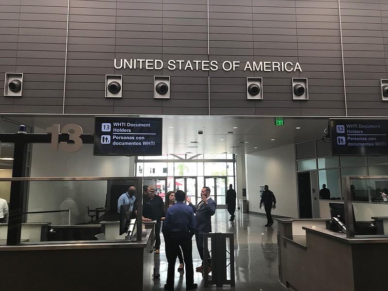Imigração emite novo documento de viagem para evitar fraude
